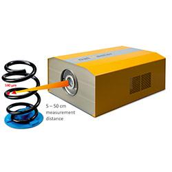Das berührungslose Schichtdickenmessgerät CoatMaster ermöglicht es die Schichtdicke zerstörungsfrei und berührungslos aus einer Distanz zwischen 5 - 50 cm zu messen