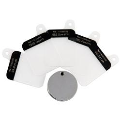 El contenido del envío del medidor de recubrimiento PCE-CT 70 incluye una placa de calibración y un juego de estándares de calibración.